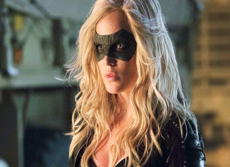 Почему Кейти Лотц заменила Жаклин Макиннес Вуд в роли Сары Лэнс в сериале Стрела