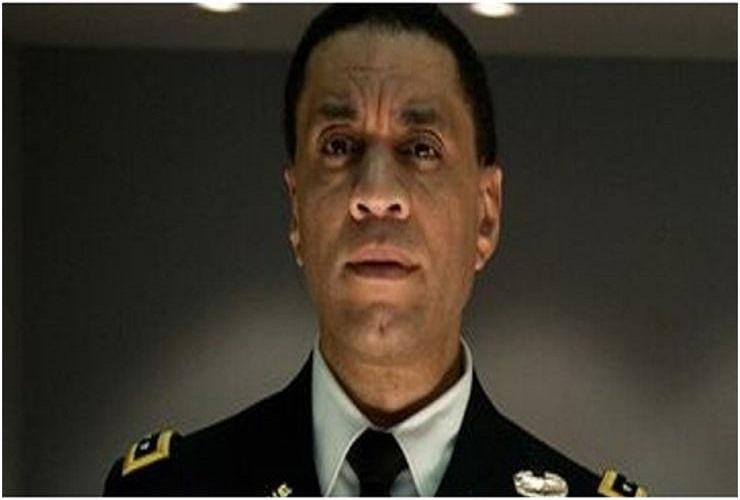 Гарри Ленникс играет Марсианского Охотника на людей в Лиге справедливости