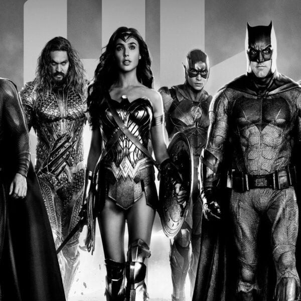 Зак Снайдер объявил о выходе черно-белой Лиги Справедливости