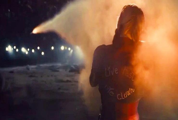 костюм Харли Квинн в Отряде самоубийц 2»основан на образе из Бэтмен Аркхем Сити